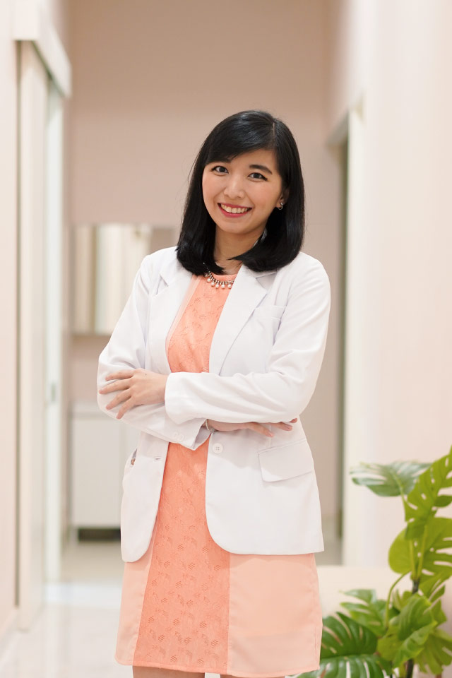Dr. Rika Andriani, Sp.DV
